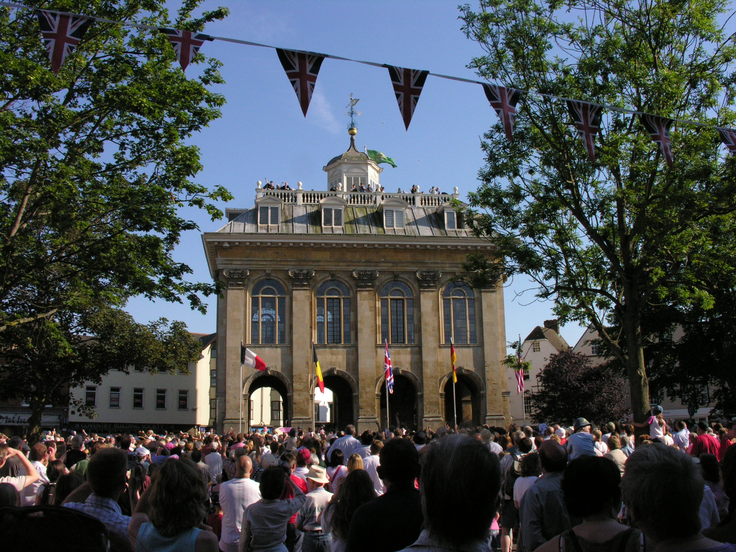 Bun-throwing at the County Hall in 2010