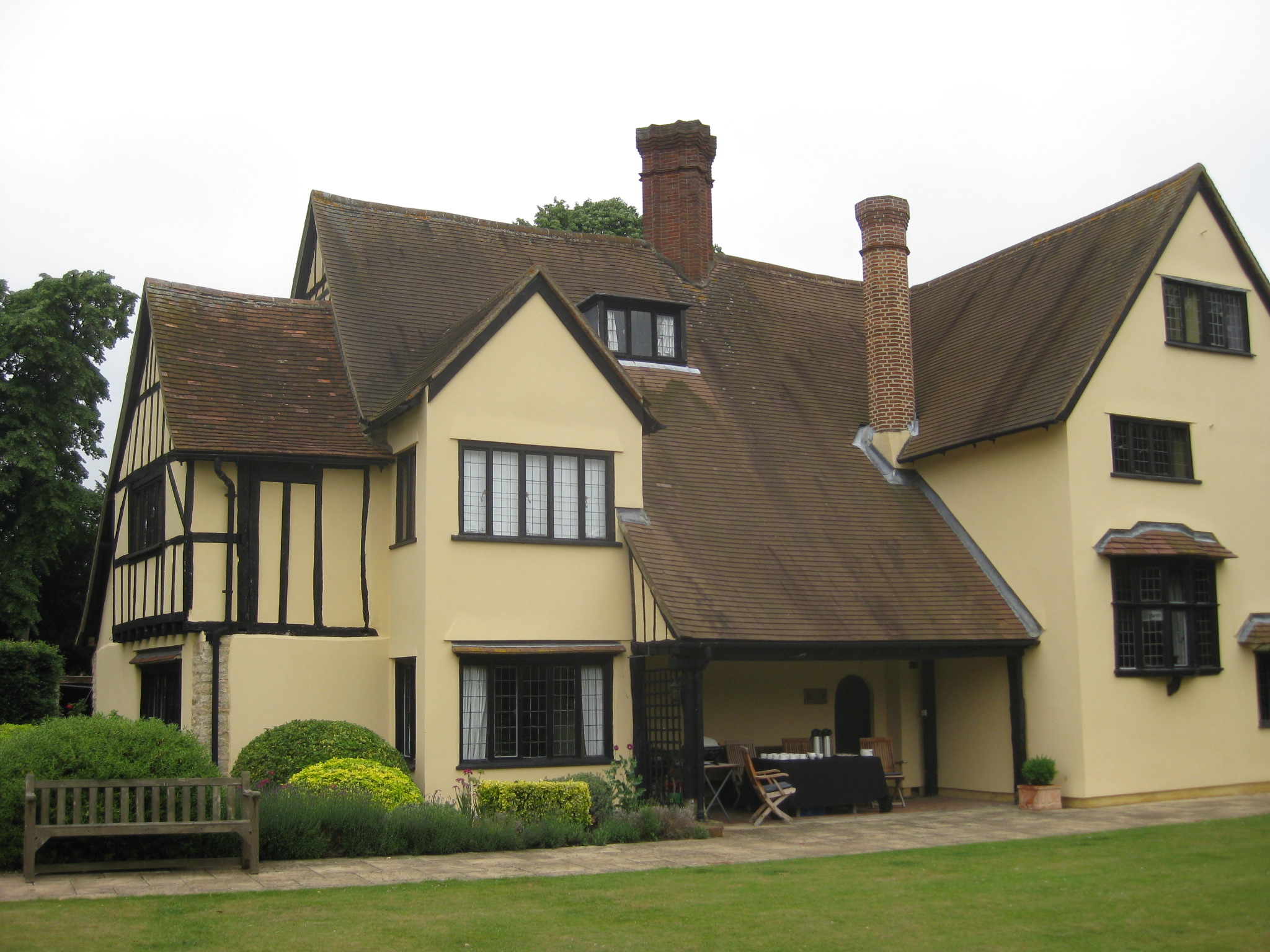 Lacies Court from the southwest in 2011