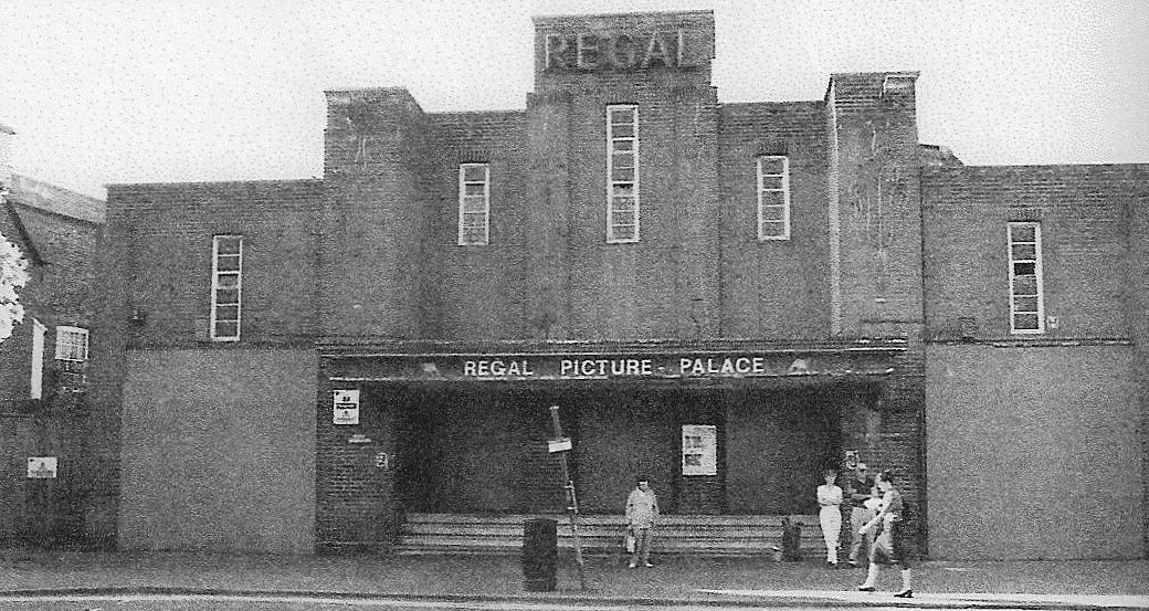 The old cinema in 2000 as it awaited demolition