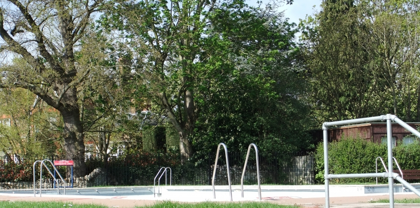 The outdoor swimming pool in Abingdon-on-Thames