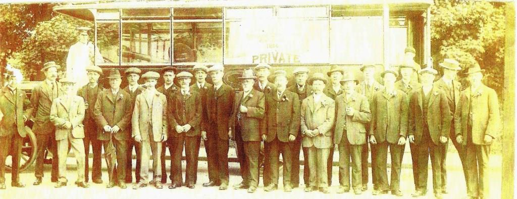 The Borough Surveyor's departmental outing 1916. Winship is the bearded figure in the middle.