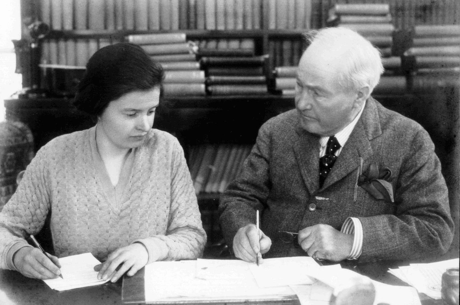 Agnes Baker with Arthur Preston at Whitefield in 1927