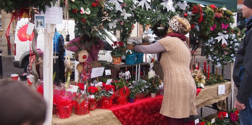 Abingdon's outdoor Craft Fair at Christmas
