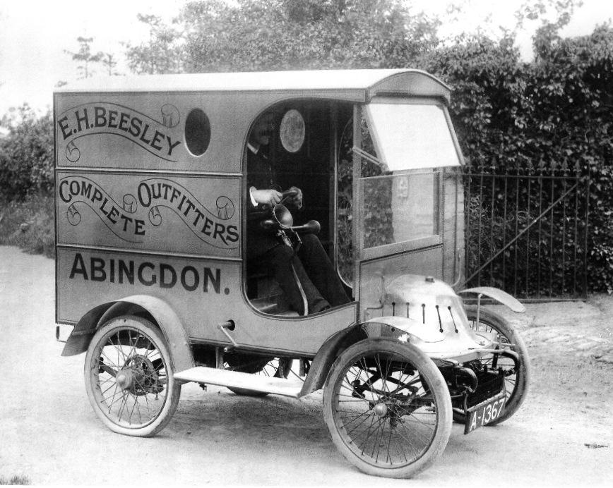 The 1908 De Dion van