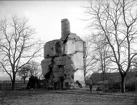 The Ruins of Barton House  Henry Taunt, 1898, CC44/00025© English Heritage NMR