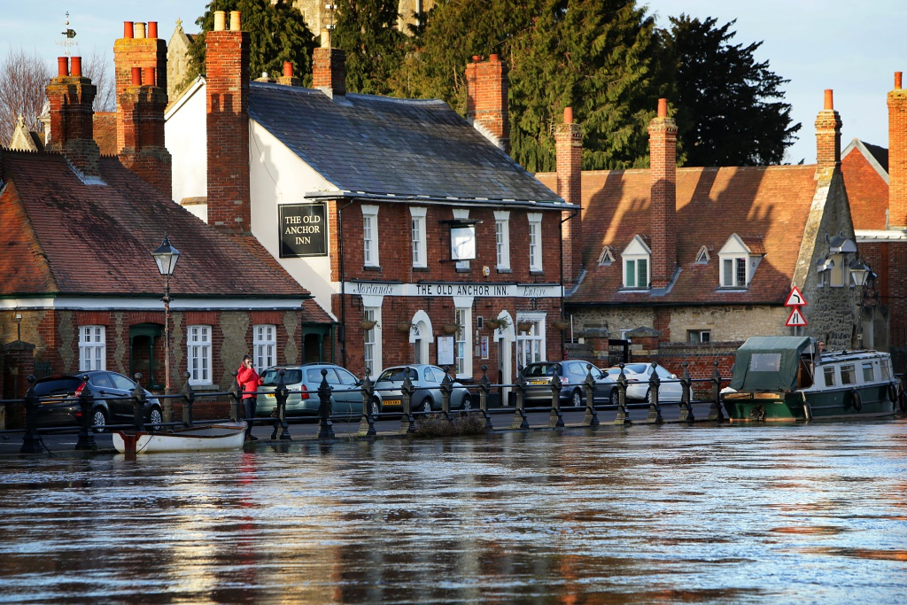 The the Old Anchor, Abingdon, Oxfordshire, in February 2014 with the Thames very high
