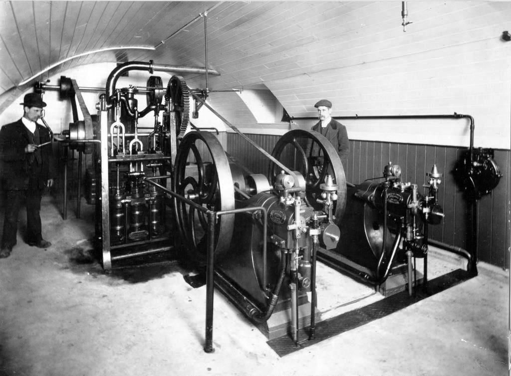 The newly-installed pair of horizontal gas engines in 1907with the triple-barrelled pump to the left. With thanks to the Abingdon County Hall Museum