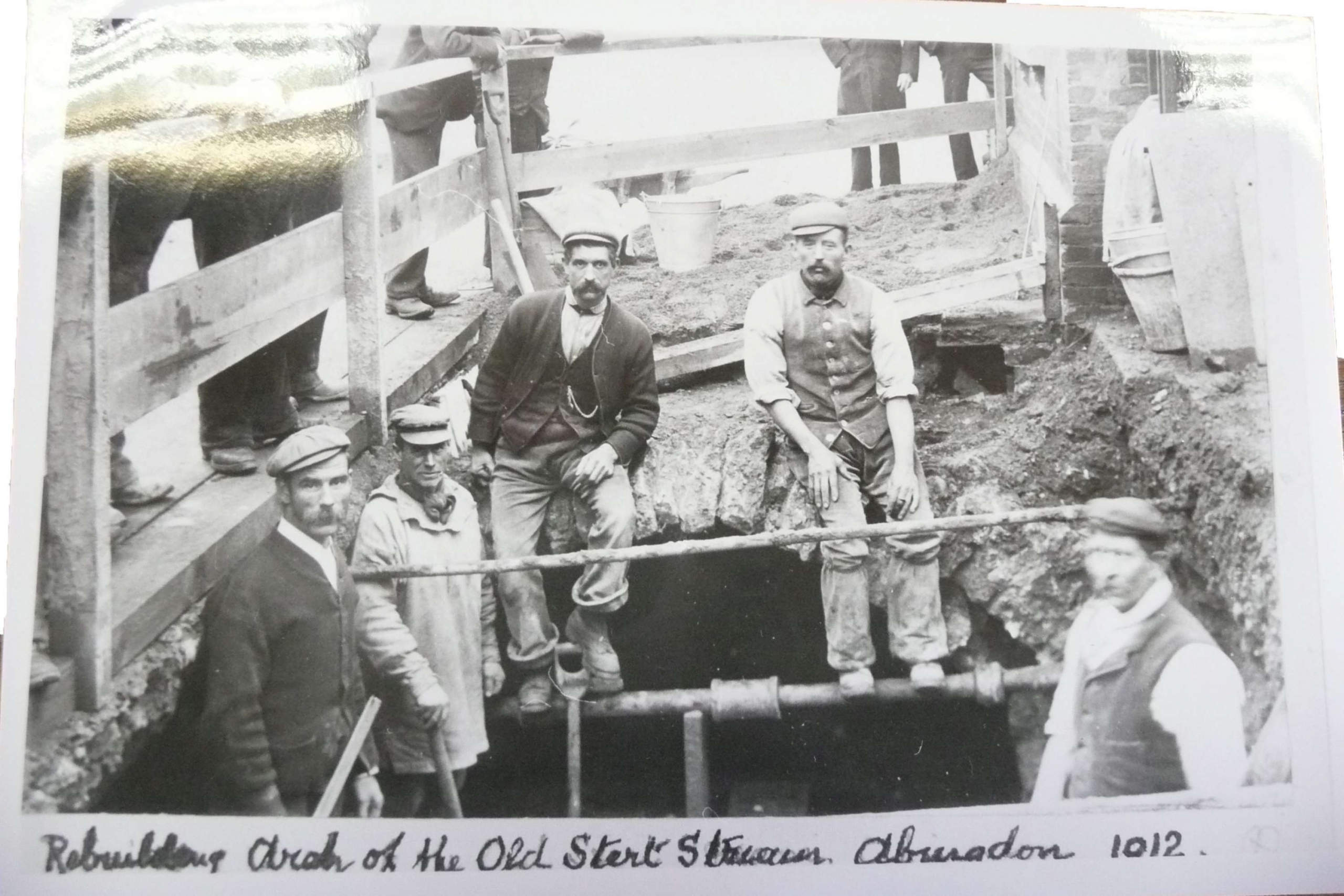Figure 9 Rebuilding Arch of the Old Stert Stream 1912 (courtesy of the Abingdon-on-Thames County Hall Museum)