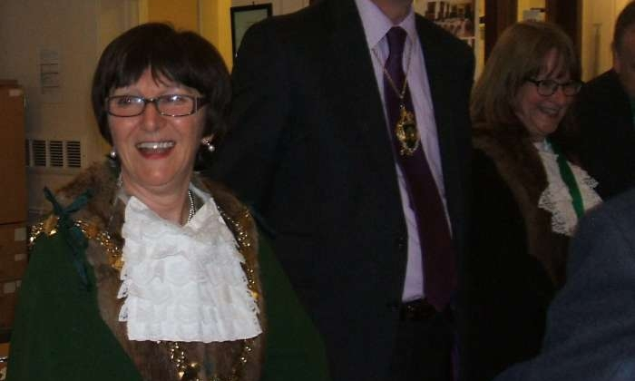 The present Mayor, Cllr Angela Lawrence opens tonight's meeting
