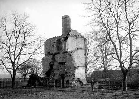 The ruin from the north in 1898 by Henry Taunt