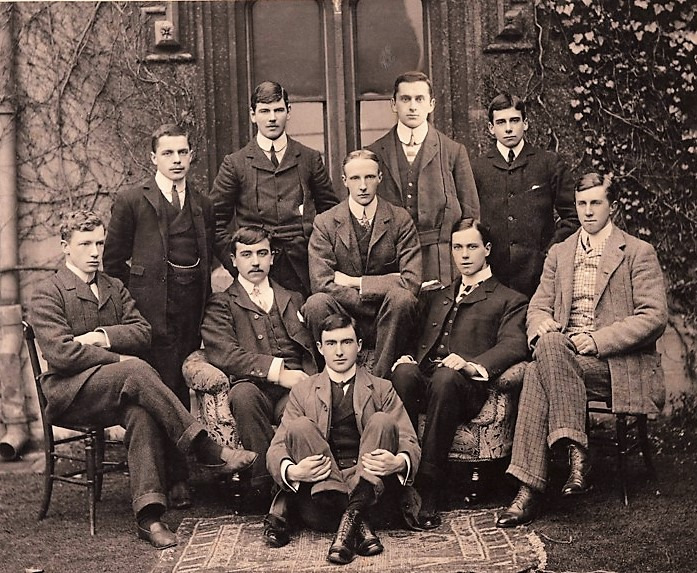 Fig. 2Pembroke College's Torpid eight, 1902.