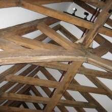 Figure 5. Scissor braced truss